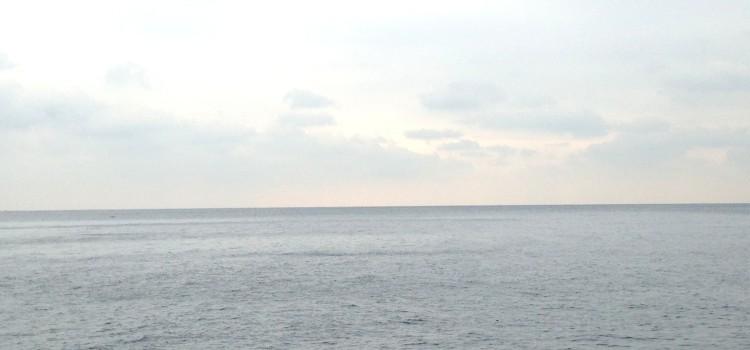 大地のエナジー満載!! 江の島岩屋へ